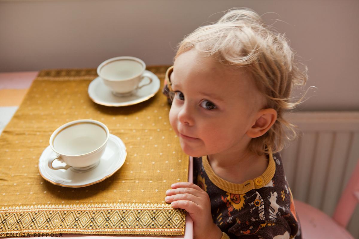 Uoti odottaa chaita.