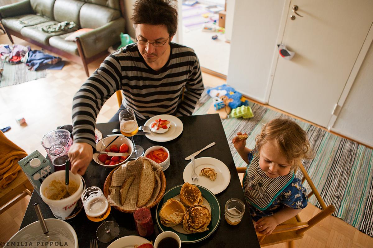 Äitienpäivän aamiainen